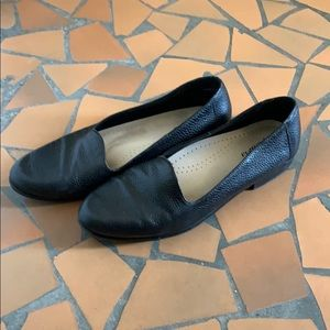 Trotters black pebble soft loafers flats 10.5 W